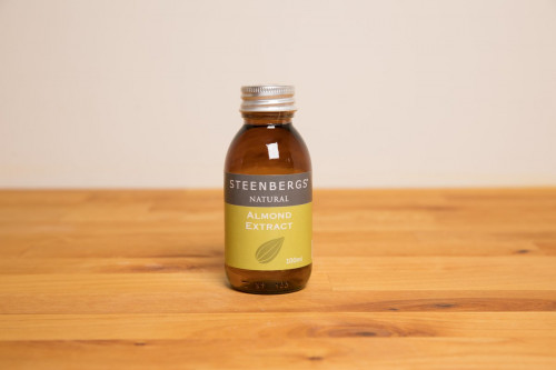 Steenbergs Natural Almond Extract in Glass Bottle from the Steenbergs UK online shop for natural baking extracts.