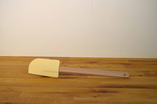 TG Woodware kitchen spatula with cream silicone scraper and FSC beech wooden handle.