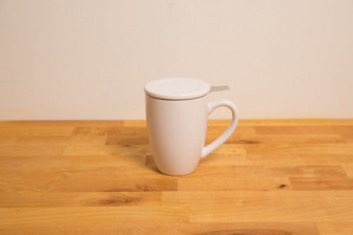 White Ceramic Mug with infuser and lid, Bonnet
