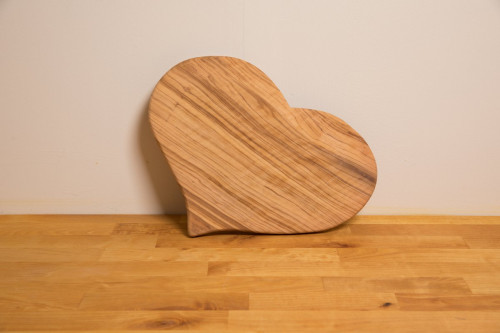 Olive Wood Heart Board 23 cms average from the Steenbergs UK online shop for sustainable wood and organic food.