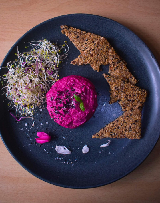 Niki's Beetroot Hummus Recipe