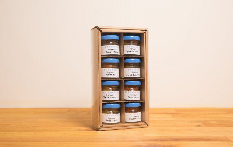 Organic Curry Starter Gift Box Of 8 Minis Steenbergs