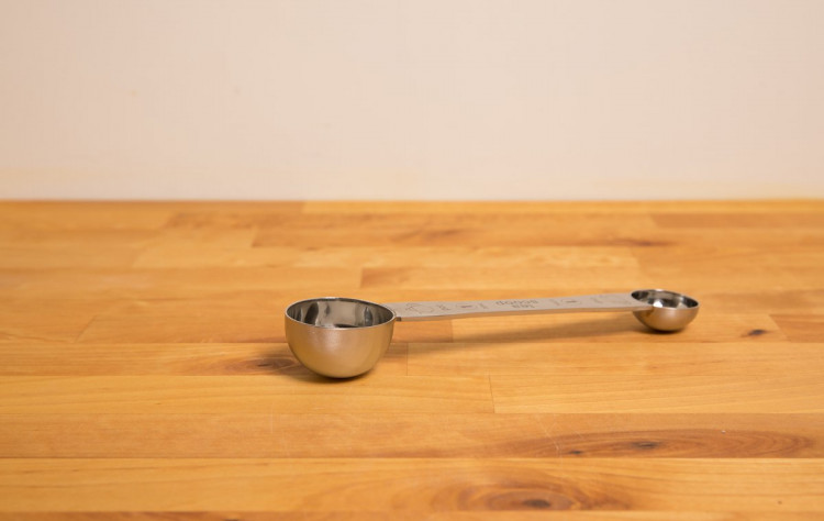 Double ended tea scoop - for cups and pots of tea